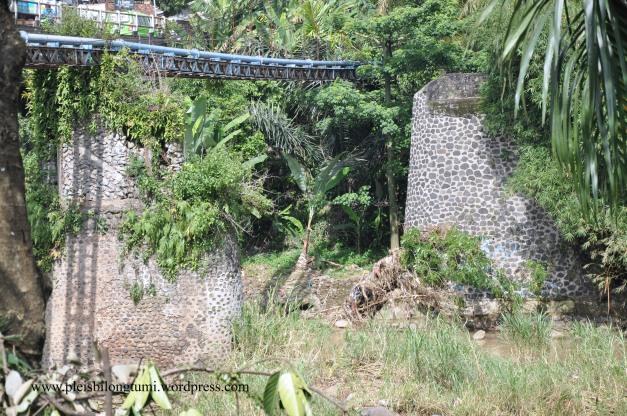 old jembatan leuwiliang